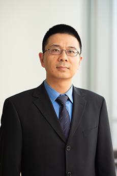 Headshot of Howie Huang