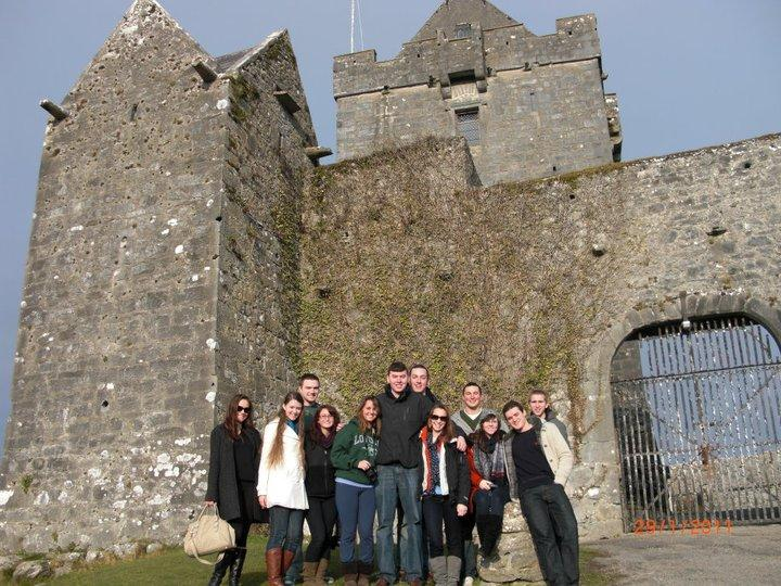 Photo of study abroad students in front of a castle