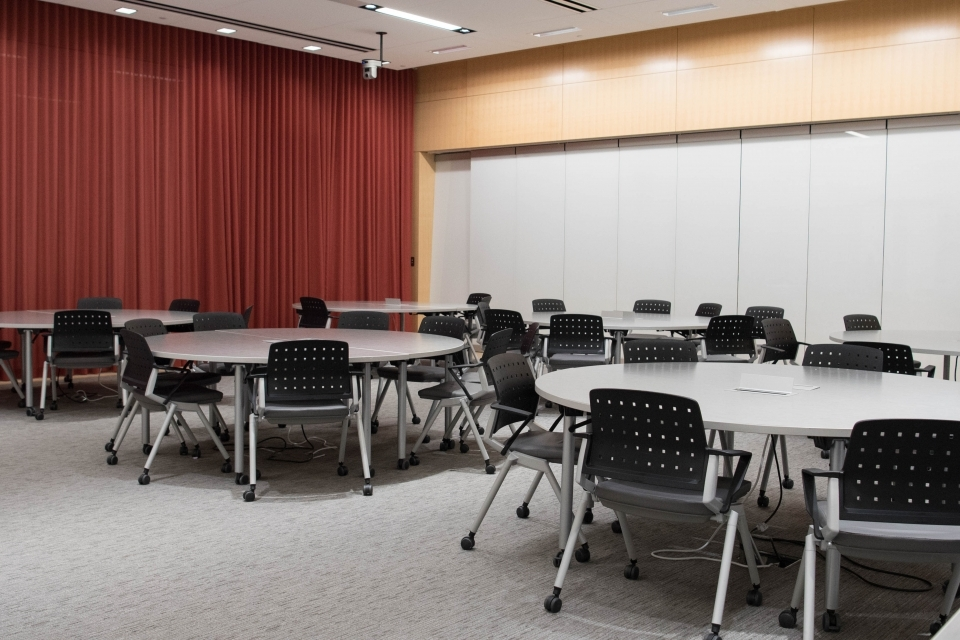 round tables with chairs in lehman auditorium